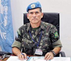 Santos Cruz coordena relatório sobre segurança de militares em missões de paz da ONU.