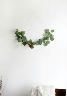 6 beautifully simple Scandinavian DIY Christmas decorations It seems every house I visit is a hive of Christmas DIY activity right now. Kitchen tables have been transformed into makeshift workstation. Noel Christmas, Green Christmas, Christmas Wreaths, Christmas Crafts, Christmas Decorations, Holiday Decor, Christmas Berries, Christmas Greenery, Natural Christmas
