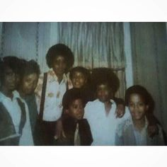 Yong Michael and relatives Young Michael Jackson, Michael Love, Jackson Family, Jackson 5, Time Travel Machine, The Jacksons, Motown, Rare Photos, The Good Old Days