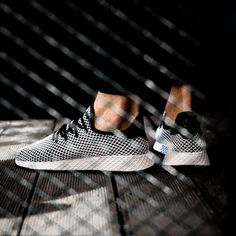 Adidas Originali Deerupt: Bianco / Verde Oliva Scarpe Pinterest