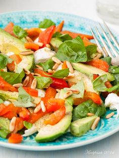 Kochfrosch: Sommerbunt: Avocado Mozzarella gegrillte Paprika