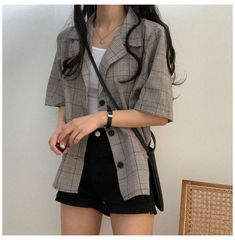Korean Casual Outfits, Korean Outfit Street Styles, Cute Casual Outfits, Pretty Outfits, Korean Spring Fashion Street Styles, Korean Style, Casual Shorts, Casual Clothes, Kpop Fashion Outfits