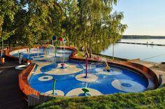 Water Playground, fuente y parque acuático infantil de RS+ en Polonia | Experimenta  http://www.experimenta.es/noticias/arquitectura/water-playground-parque-acuatico-infantil-rs-polonia-3380/