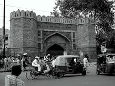 Visit Turkman Gate and the sites from revolt of 1857 | Padhaaro