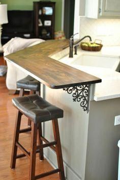 chaise de bar en cuir marron, bar de cuisine en bois, tabouret de cuisine haute