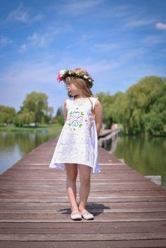 Embroidered linen dress Girls Dresses, Flower Girl Dresses, Slow Fashion, Heavenly, White Dress, Wedding Dresses, Products, Dresses Of Girls, Bride Dresses