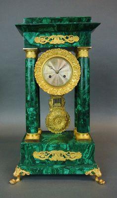 Vintage Outfits Schools Printing Ideas Useful Key: 4988881775 Unusual Clocks, Cool Clocks, Antique Desk, Antique Clocks, Antiques For Sale, Antique Stores, Wall Clock Wooden, Classic Clocks, Retro Clock