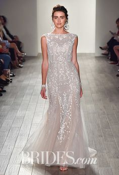 Alvina Valenta - Fall 2017. Wedding dress by Alvina Valenta
