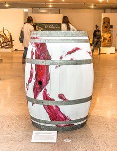 Marketing Vinícola Barricas de vino que son obras de arte: Bodegas Valduero con los jóvenes diseñadores