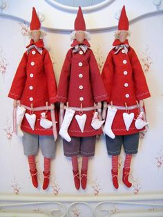 All about Tilda, pattern, master classes. - Compilation of tildes for inspiration! Red Christmas, Christmas Time, Christmas Crafts, Christmas Decorations, Christmas Ornaments, Holiday Decor, Christmas Patterns, Scandinavian Gnomes, Scandinavian Christmas