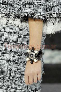 Pulseras y anillos moda joyas