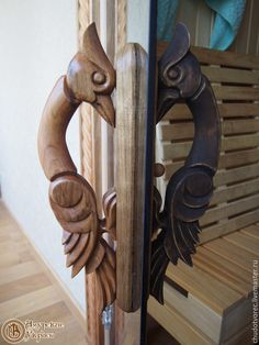 Wood Carving Designs, Wood Carving Tools, Wooden Art, Wooden Doors, Woodworking Techniques, Diy Woodworking, Wooden Sofa Designs, Rustic Stairs, Home Stairs Design
