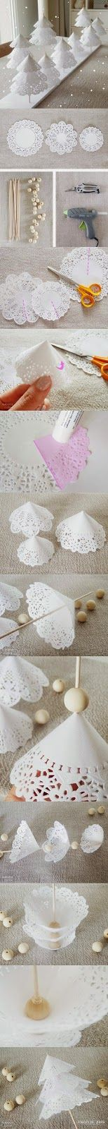 White Doily Christmas Tree Decorations: great for a table centerpiece or to create a table-scape scene. Great Christmas kid craft. Lemiemilleidee: ALBERI DI NATALE