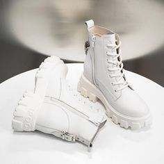 Fashion Genuine Leather white women's boots winter plush warm cotton boots new thick bottom comfortable casual Martin boots Non Slip Sneakers, Dr Martens Style, Lace Up Ankle Boots, Women's Boots, Martin Boots, Leather Trainers, Winter Shoes, White Women, Sneakers Fashion
