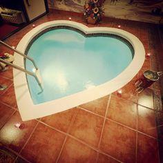 Couples Resort - The Land of Love in the Poconos #poconoromance #landoflove ad