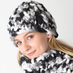 Woolly Hat and Scarf Free Pattern - Made on a Zippy Loom!