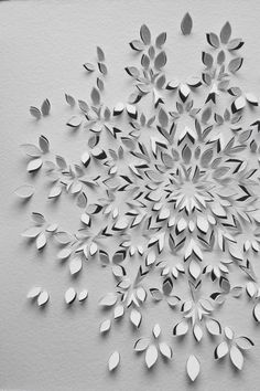 50 Easy Paper Cutting Crafts for Beginners Easy-Paper-Cutting-Crafts-for-BeginnersThis is another example of the contrast of the white paper art and the interesting effects it gives off. (**Fine Paper Art \ Paper Cut Caleidoscope \ idea of happiness Kirigami, Papier Diy, Fine Paper, Paper Paper, Cut Paper Art, Paper Cutting Art, Paper Cutting Patterns, Paper Cut Design, Paper Artwork