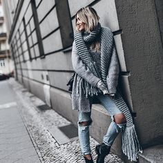 Garden Party Dress Casual Street Styles Ideas For 2020 Grey Fashion, Urban Fashion, Daily Fashion, Fashion Fall, Fashion Vintage, Vintage 70s, Best Street Style, Casual Street Style, Street Styles