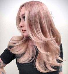 New Faded Pastel Hair; Blorange Hair Color In different hair color trends showed itself. Especially the red and orange tones started to rise among the hair color trends. Light Pink Hair Color, Pink Ombre Hair, White Blonde Hair, Pastel Pink Hair, Blonde Hair With Highlights, Pink Highlights, Barbie, Blorange Hair, Hair Color Pictures