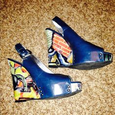 Zinc wedges In great condition! I wore these maybe 2 times at most. Super fun and compliment any outfit!! Zinc Shoes Wedges