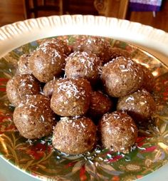 bite-sized protein balls  contain no added sugar!   Each ball is under 100 calories, contains about 4 grams of protein.  Perfect for a low-cal, high protein snack to fuel your workout, or boost .... Almond Joy Protein Balls  1.5 cup pitted dates     1/2 cup almond butter     1/2 cup old fashioned rolled oats     1/2 cup unsweetened shredded coconut     1/4 cup ground flax seeds     2 scoops unflavored protein powder     1 tsp vanilla extract     3 Tbsp unsweetened vanilla almond milk
