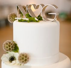 fantastic mix of transitional and modern #wedding #cake #topper