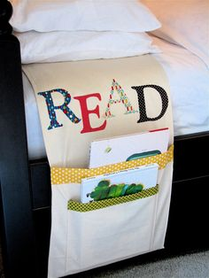 Bed Book Bag with book store gift cards {Christmas for the kids}