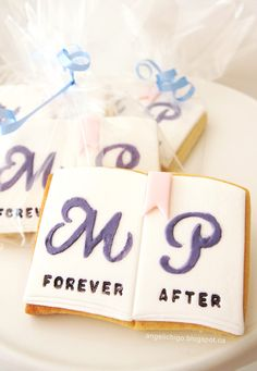 http://angelichigo.blogspot.co.uk/2014/04/forever-after-book-cookies.html