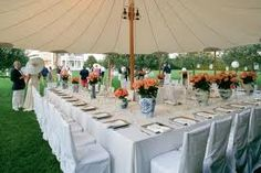 White chinese lanterns, blue and white china as vases, glass candle holders, glass cover over table cloth, inside umbrella tent Outdoor Table Settings, Outdoor Tables, Outdoor Spaces, New York Party, Hampton Garden, Party Like Its 1999, Enchanted Home, Festival Decorations, Wedding Decorations