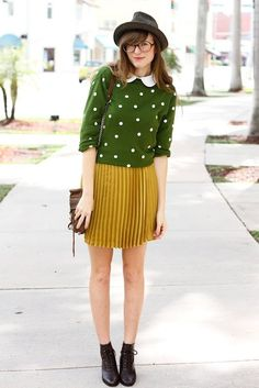 Green polka dot sweater & gold pleated skirt. This is just- there are no words to describe how joyful this beautiful outfit would make me feel if I owned it!!