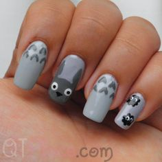 Totoro nail art tutorial     http://www.qtplace.com/index/?p=661#more-661