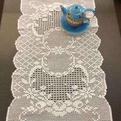 Filet Crochet Charts, Crochet Diagram, Crochet Coaster Pattern, Crochet Patterns, Thread Crochet, Crochet Doilies, Fillet Crochet, Tablerunners, Center Table