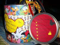 disney survival kit- great DIY gift to bring along for kids. Disney Diy, Disney Crafts, Disney Food, Cute Disney, Disney Ideas, Disney Stuff, Disney Resorts, Disney Cruise, Disney Vacations