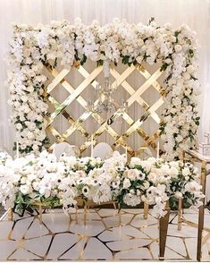 5 Most Gorgeous White Wedding Backdrop Decoration Ideas That Can You Can Inspire Backdrop Decorations, Wedding Table Decorations, Wedding Centerpieces, Table Wedding, Wedding Reception, Wedding Groom, Farm Wedding, Wedding Bridesmaids, Wedding Couples