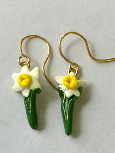 Clay daffodil earings by SunsetCrafts on Etsy