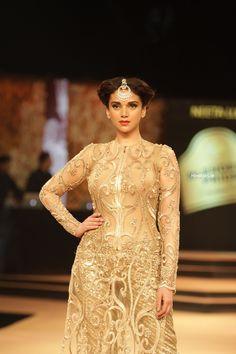 Aditi Rao Hydari Ramp Walk on Blenders Pride Fashion Tour 2014 Day 1