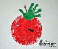 Paper Plate Apple Craft for Johnny Appleseed Day - Fun Handprint Art Fall Preschool, Preschool Projects, Daycare Crafts, Classroom Crafts, Preschool Apples, Toddler Art, Toddler Crafts, Crafts For Kids, Apple Activities