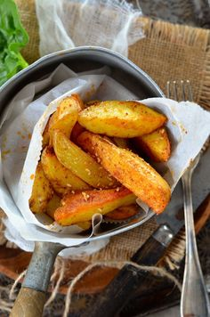 Potatoes maison au four - Recette - Tangerine Zest - Recipes Cooking Recipes For Dinner, Healthy Cooking, Healthy Dinner Recipes, Baking Recipes, Healthy Food, Vegetarian Italian Recipes, Vegetarian Kids, Italian Cooking, Baked Potato Recipes