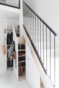 Mieszkanie fińskiej projektantki Jutta pracuje w studio BolkvFinland, agencji zajmującej się home stagingiem. Jej mieszkanie to mieszanka industrialnego loftu i przytulnych elementów, typowych dla skandynawskiego stylu.