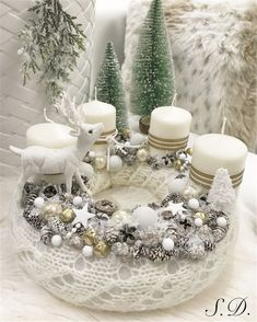 Stunning Christmas Sweater Wreath Advent Candles Decoration Ideas - Page 43 of 55 - Chic Hostess Christmas Advent Wreath, Family Christmas Gifts, Christmas Candles, Christmas Centerpieces, Christmas Tree Decorations, Christmas Sweaters, Christmas Crafts, Table Decorations, Advent Candles
