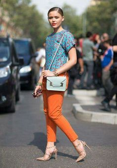 Love the turquoise and tangertine combo
