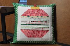 Christmas Ornament Pillow Delta Breeze Quilt Blocks Odd Angle Paper-Piecing Tutorial S ewing Chest Re. Christmas Sewing Projects, Christmas Crafts, Christmas Ideas, Christmas Quilting, Christmas Ornament, Christmas Holiday, Xmas, Holiday Decor, Small Quilts