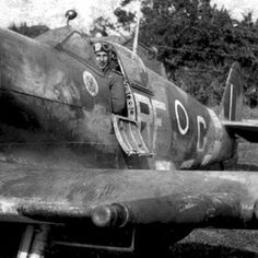 303 Sqn pics a& Navy Aircraft, Ww2 Aircraft, Military Aircraft, Hawker Hurricane, Supermarine Spitfire, Ww2 Planes, Battle Of Britain, Military Photos, Fighter Pilot
