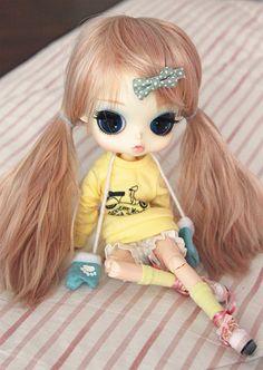Toutes les tailles   Marcela, via Flickr.  Love the hair color