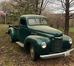 1949 International Harvester Maintenance/restoration of old/vintage… International Pickup Truck, Navistar International, International Harvester Truck, Antique Trucks, Antique Cars, Classic Trucks, Classic Cars, Old Pickup Trucks, Panel Truck