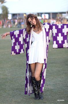rad babe in a vintage kimono #streetstyle #coachella