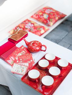 The big challenge for David + Christine at their wedding? Ensuring their 150 guests had so much fun that they forgot the Savannah summer heat. It took their super cute love story, a Chinese tea ceremo Chinese Wedding Tea Ceremony, Chinese Wedding Decor, Wedding Ceremony, Traditional Vietnamese Wedding, Traditional Wedding, Chocolate Tea Cake, Asian Party, Russian Tea Cake, Homemade Tea