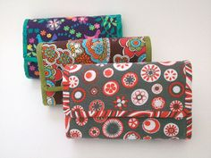 Free pattern for DIY wallet. Create your own fabric from scraps.