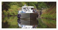 découvrir le Lot à votre rythme à bord de l'un de nos bateaux habitables sans permis Discover the Lot region at your own pace on one of our licence free houseboats