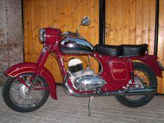 Java – 354 Source by mutepekoylu Jawa 350, Bike Parts, Cars And Motorcycles, Motorbikes, Automobile, Cycling, Mopeds, Czech Republic, Java